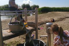 Surfplas - water pompen